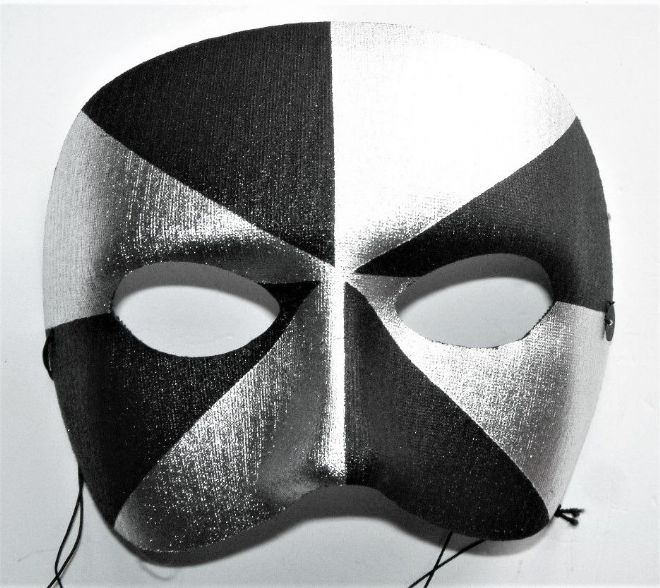 BLACK & SILVER HARLEQUIN EYE MASK